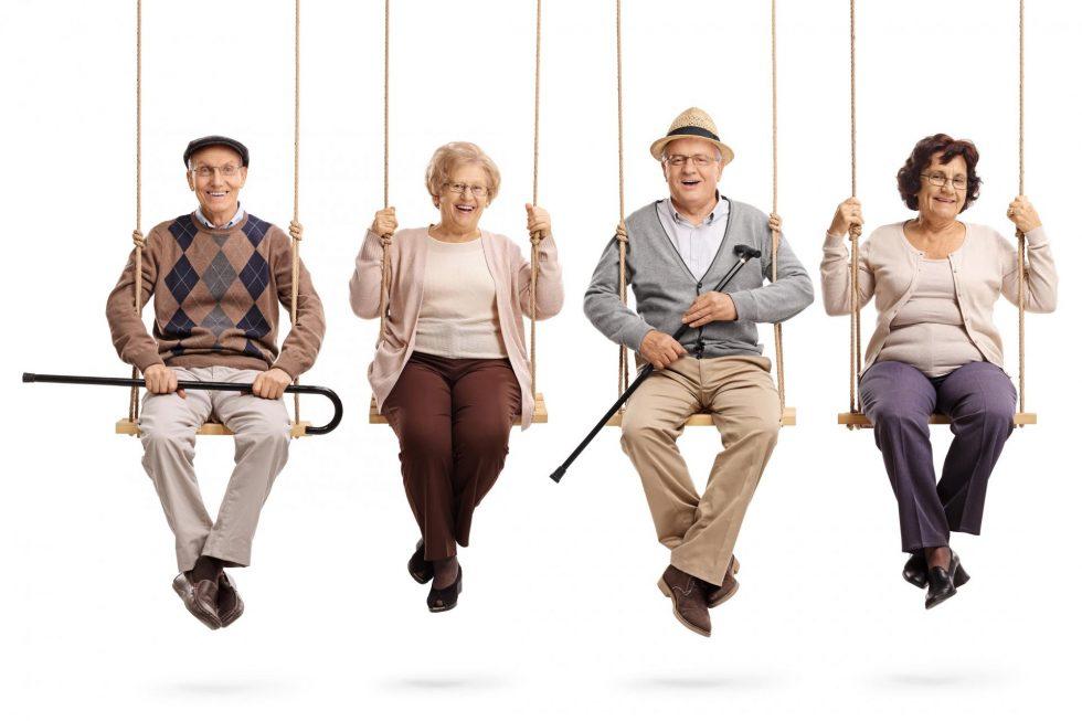 Einsamkeit_Senioren auf Schaukel-klein